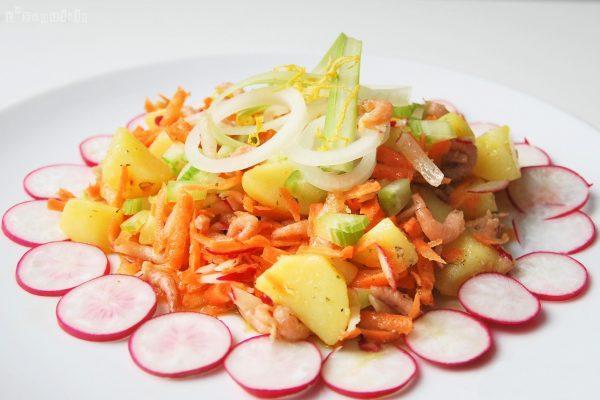 Ensalada de patatas y gambitas con aliño de limón y perifollo