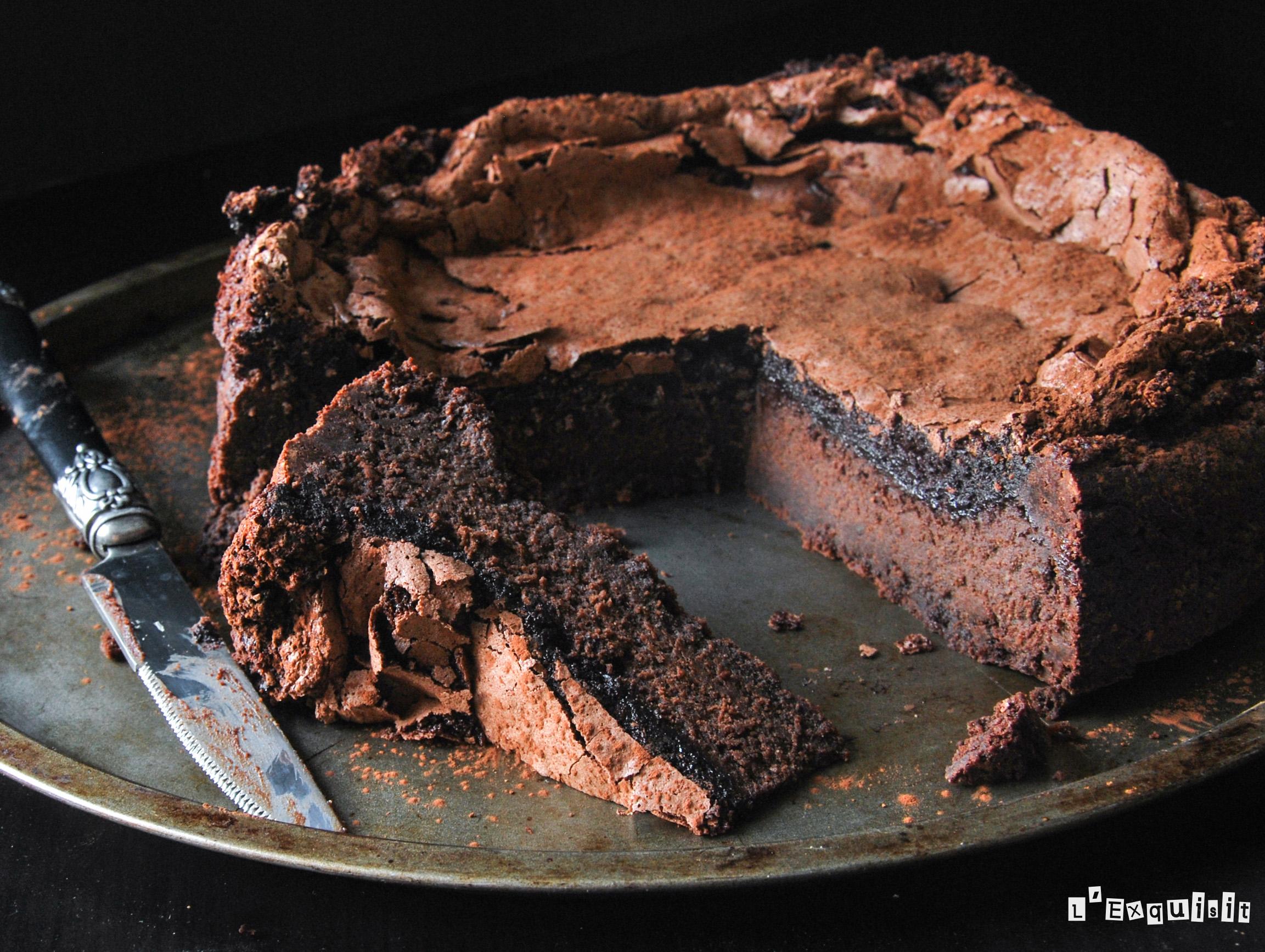 Brownie con merengue de chocolate