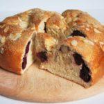 Cake austriaco con cerezas y mazapán