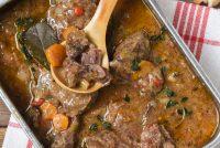 Carrillera ibérica con verduras y salsa de oporto