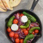 Cazuelita de tomates y pimientos