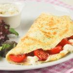 Crepes con crema de mascarpone y tomates