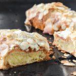 Croissants rellenos de almendra
