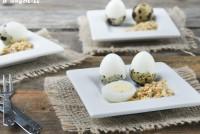 Huevos de codorniz con sal de frutos secos especiada