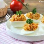 Huevos rellenos al curry