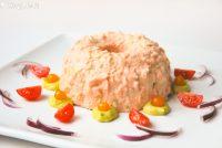 Mousse de salmón ahumado y crema de aguacate a la naranja