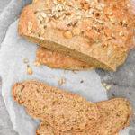Pan al romero con avellanas y semillas