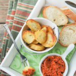 Patatas al horno con romesco
