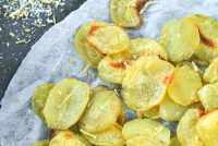 Patatas con sal al limón y romero