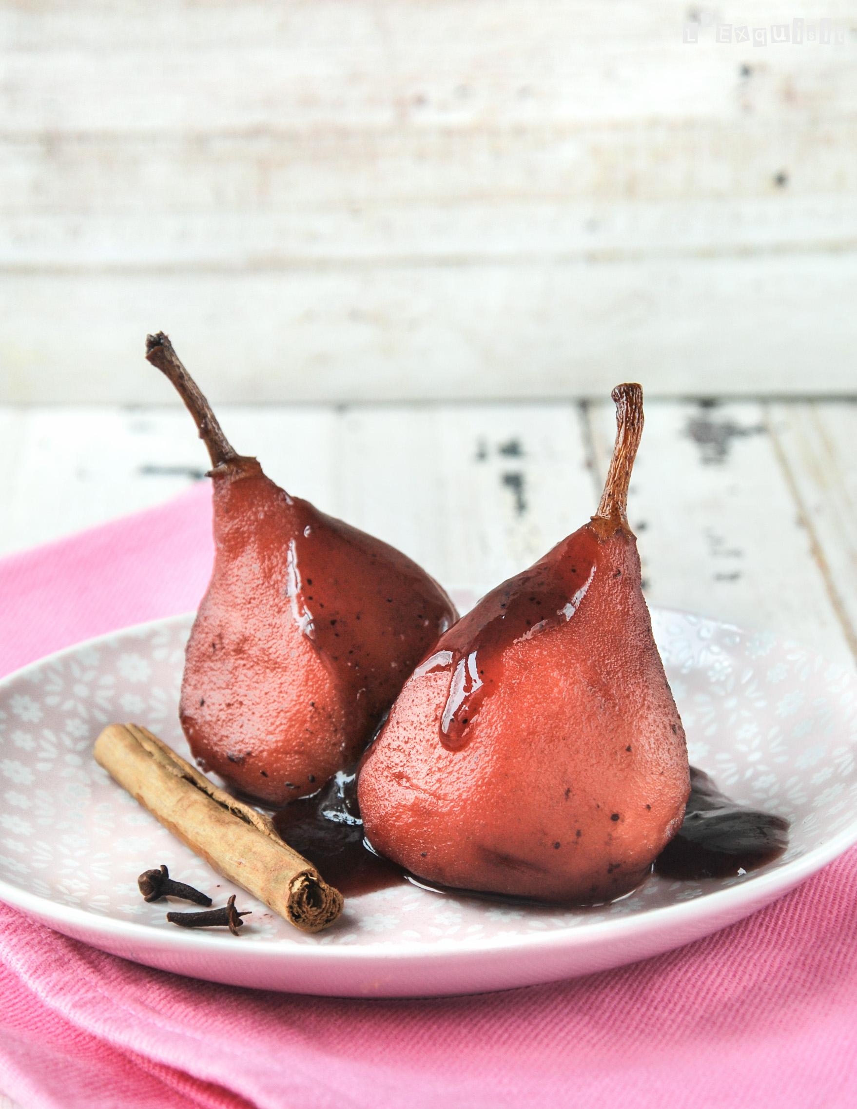 Peras con salsa de arandanos