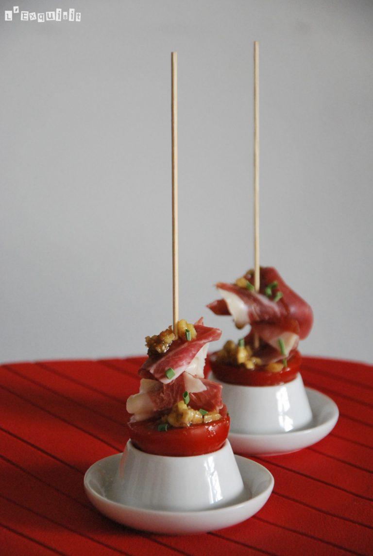 Pincho de tomate con vinagreta de nueces