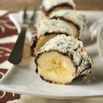 Plátano con chocolate crujiente y frutos secos