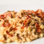 Risotto de tres quesos, bacon y manzana