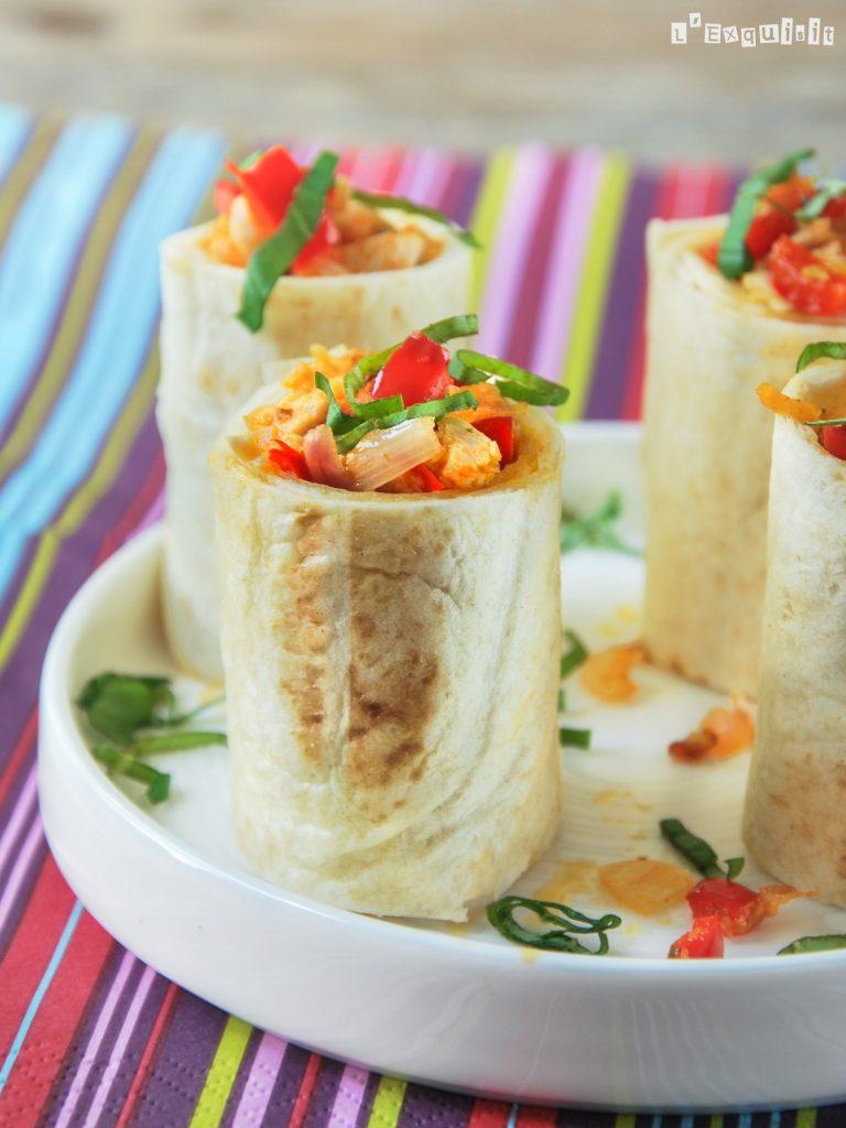 Rollitos de tortitas con pollo, verduras y queso