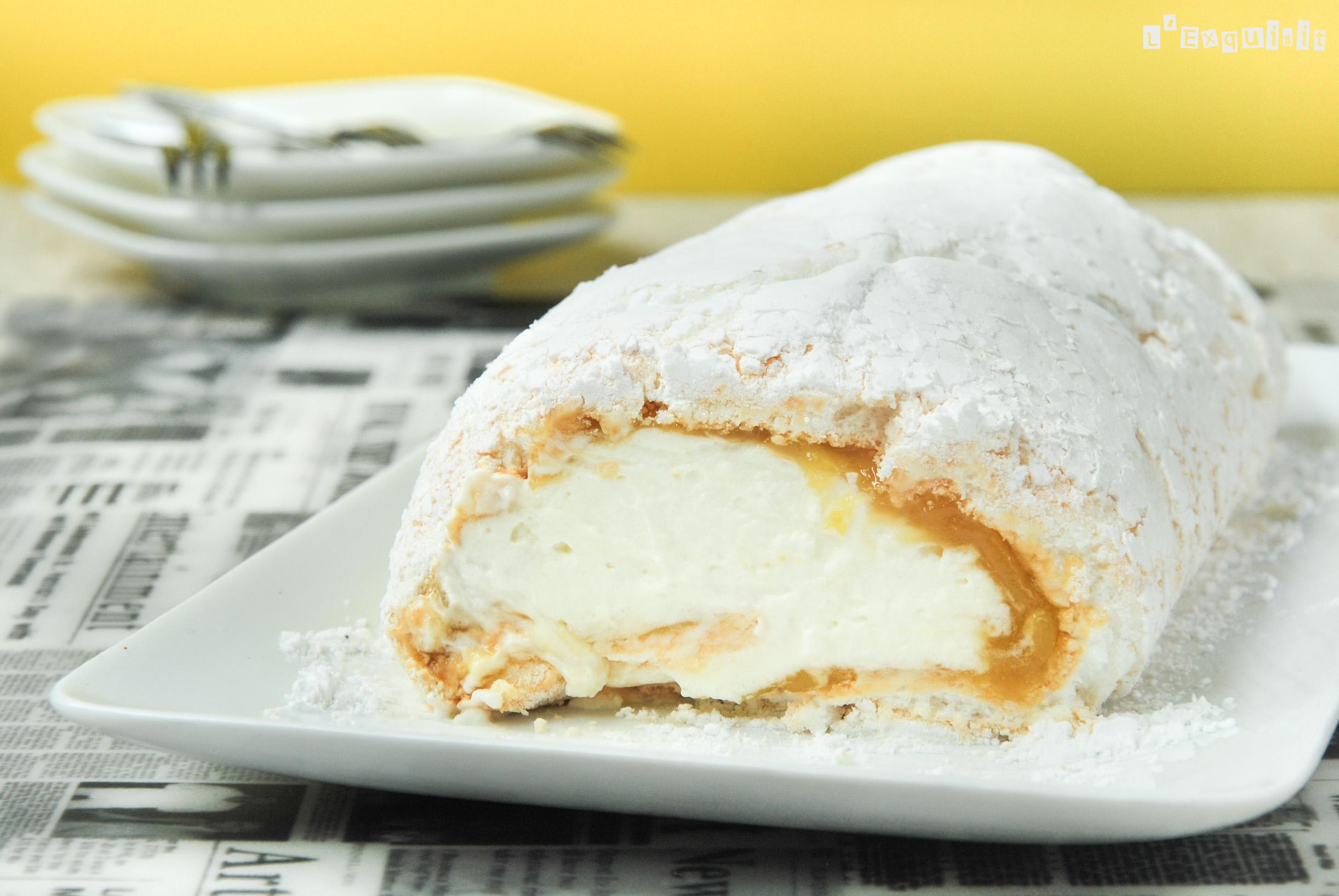 Rollo de merengue y limón