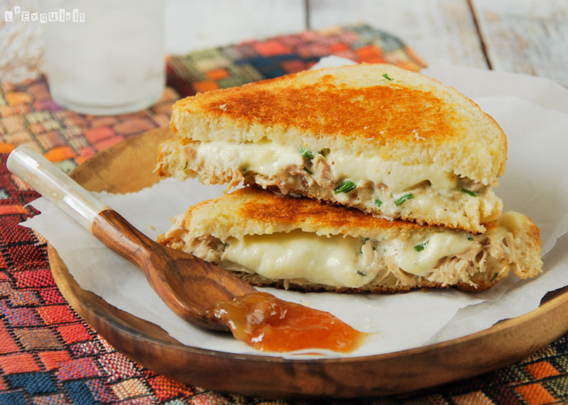 Sandwich de pollo y mozzarella