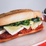 Sandwich de brie, sobrasada y espinacas
