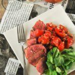Solomillo con aliño de tomates y estragón
