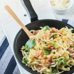 Spaguetti a la carbonara de vainilla con canónigos