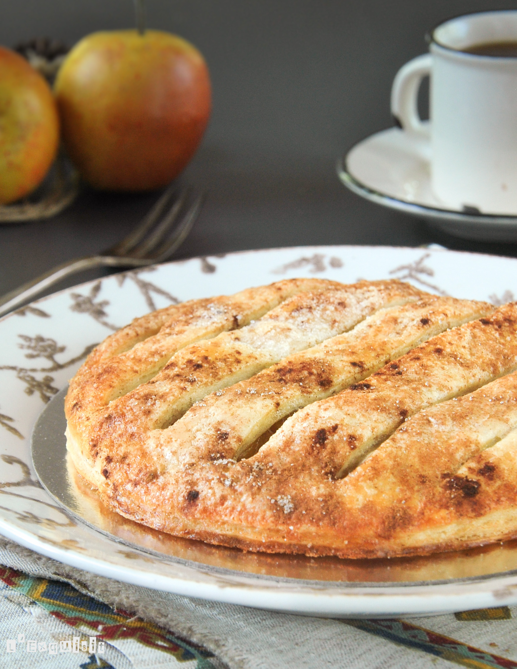 Tarta con manzana caramelizada