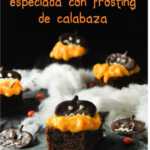 Tarta de chocolate especiada con frosting de calabaza {idea para Halloween}