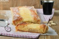 Tarta de crema de almendras con manzana