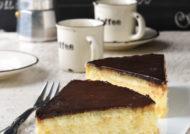 Tarta de queso con crema y chocolate