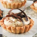 Tartaletas con chocolate y crema de jijona