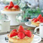 Tartaletas con crema de limón y fresas