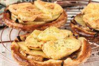 Tartaletas de manzana y brie