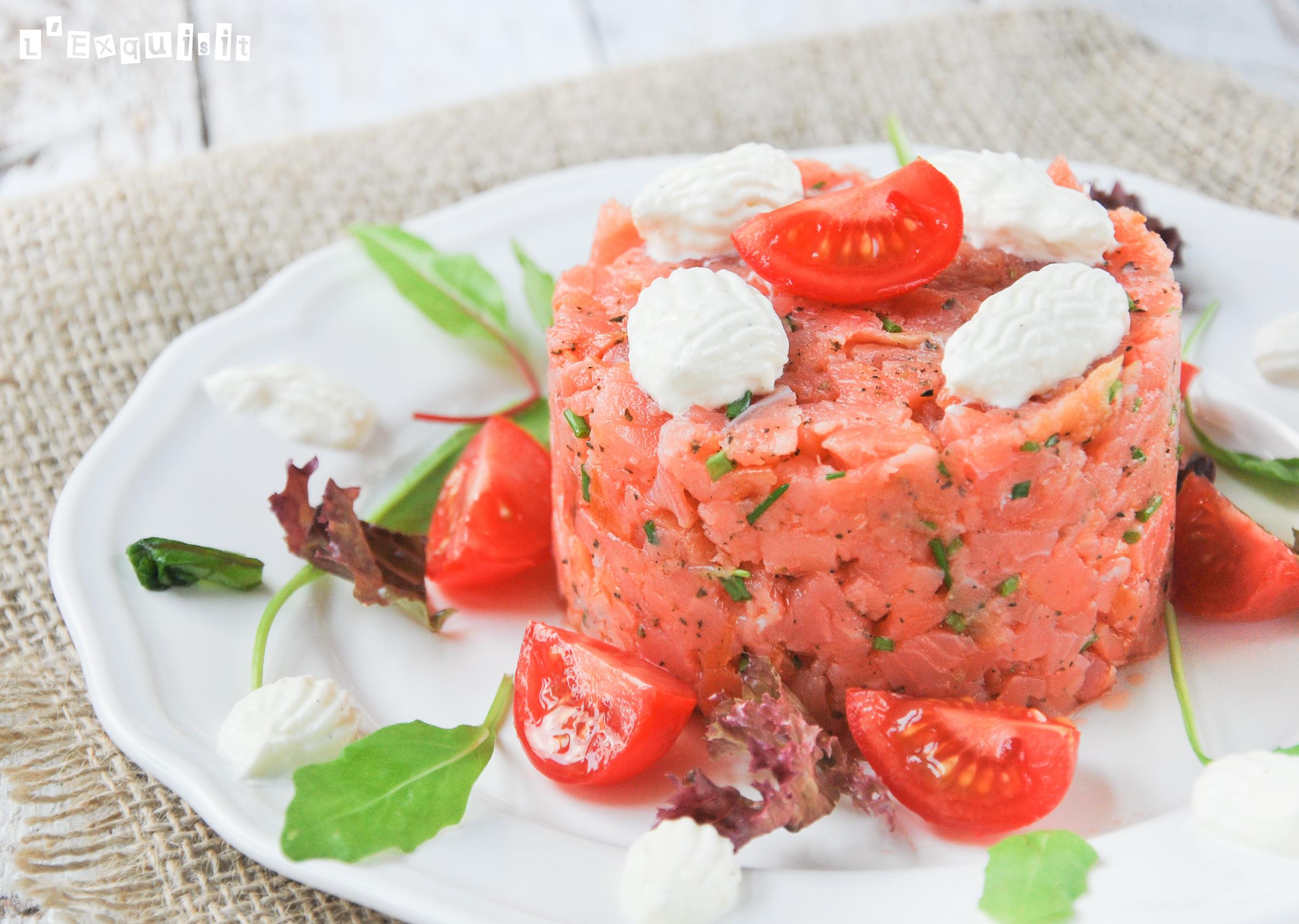 Tartar de salmón con albahaca y rábano picante