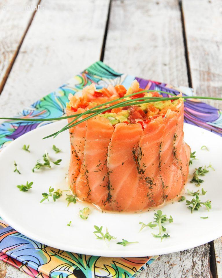 Timbal de salmón con crudités