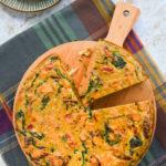 Tortilla de boniatos con espinacas y pimientos
