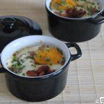 Cazuelita de patatas, bacon y huevo