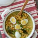 Curry de lentejas con huevos de codorniz