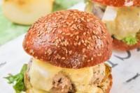 Hamburguesa de pollo con manzana y brie
