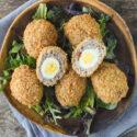 Huevos de codorniz a la escocesa {con y sin gluten}
