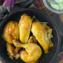 Pollo a la curcuma con salsa de yogur y hierbas