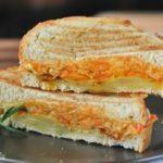 Sandwich caliente de verduras a las hierbas con tres quesos