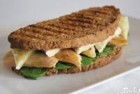 Sandwich gourmet de pollo