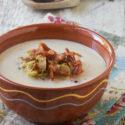 Sopa de esparragos blancos con bacon y romero