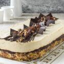 Tarta de queso al cafe con avellanas y chocolate