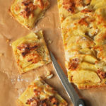 Tarta de manzana, almendras y coco