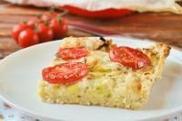 Tarta de puerros y tomates {con base de pan}